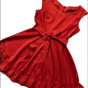 VINTAGE Belted Sweetheart Sleeveless Dress